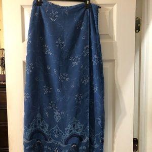 Long Women's skirt